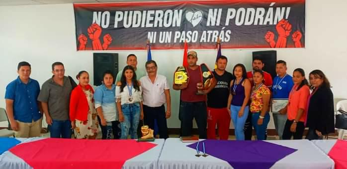 Boxeadores caraceños reconocidos por su trabajo en campeonato Alexis Arguello