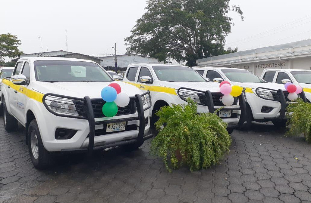 Minsa entrega 56 camionetas para fortalecer servicio de salud