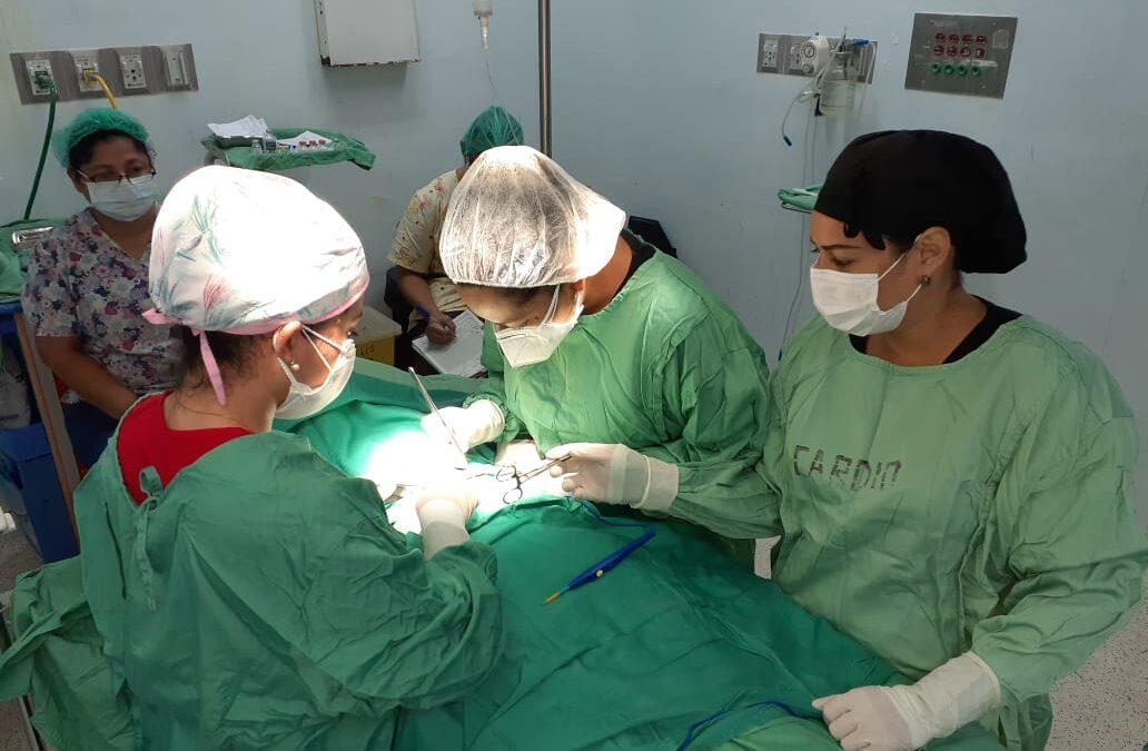 Sistema de salud nicaragüense agiliza cirugías a los niños con hernias