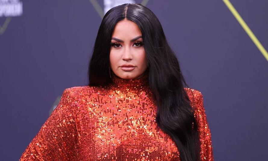 Demi Lovato reaparece luego de su ruptura con Max Ehrich