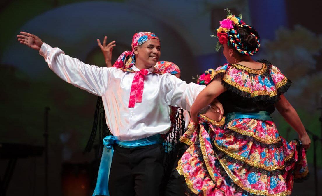 Estudiantes muestran su talento artístico en el Teatro Rubén Darío