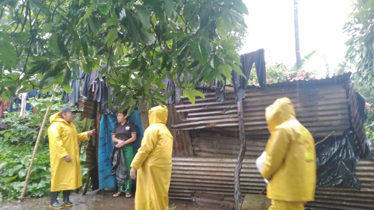 Autoridades atienden a familias afectadas por las lluvias