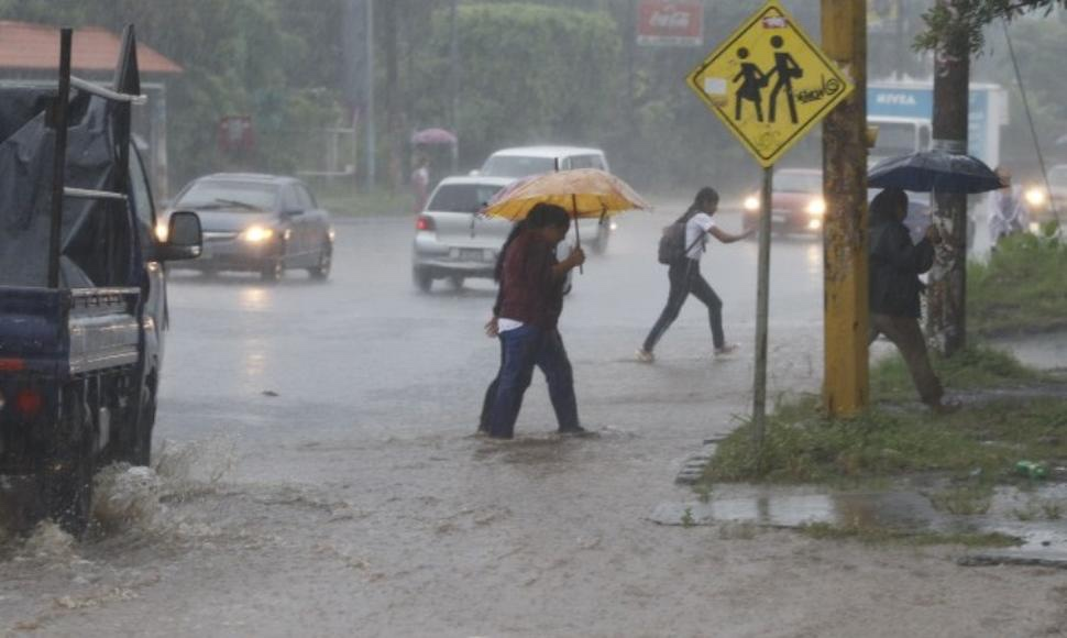 Ineter vigila fuerte onda tropical en el mar Caribe