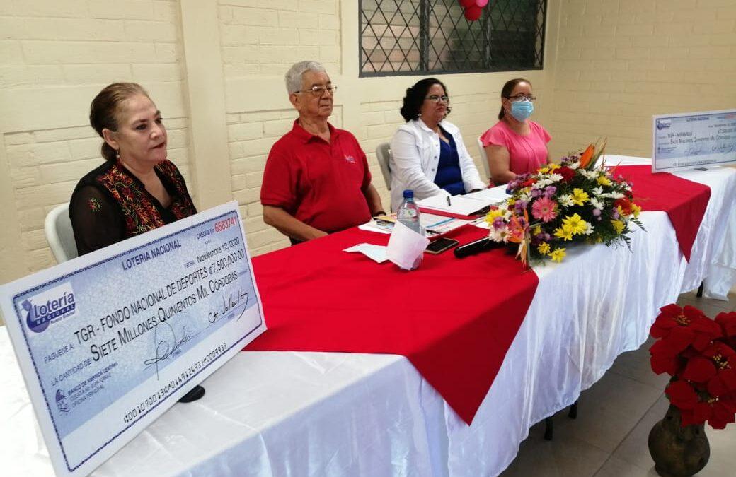 Lotería Nacional entrega utilidades al Instituto de Deportes y Ministerio de la Familia