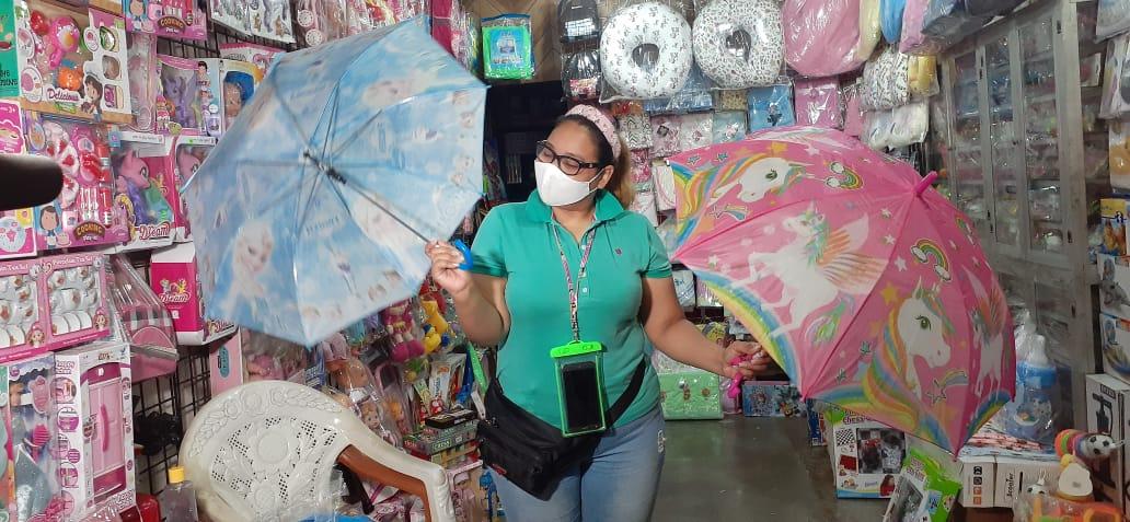 Sombrillas y capotes para niños, a precios económicos
