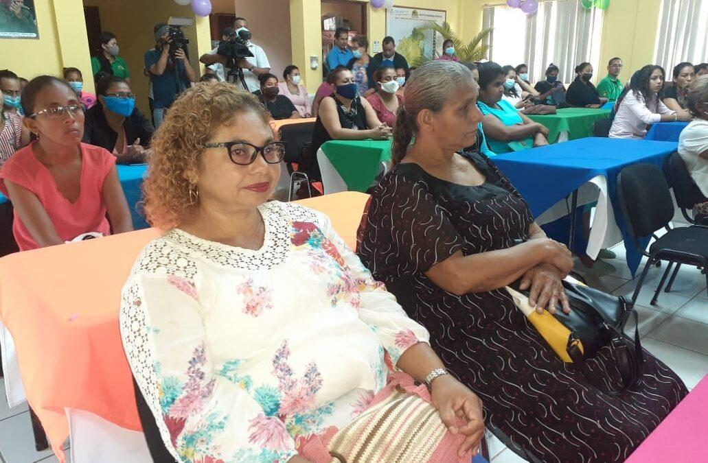 Mujeres emprendedoras del sector forestal se empoderan de sus derechos