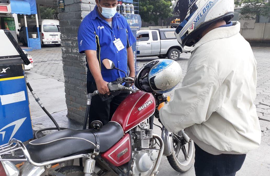 Combustibles bajan de precio y gas butano se mantiene