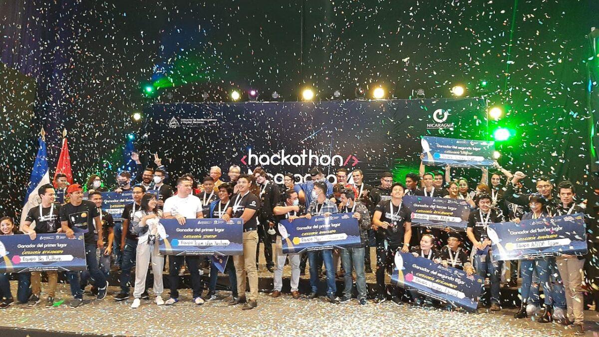 Premian a los primeros lugares del Hackathon 2020