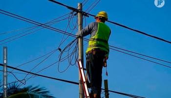 Continúa el restablecimiento de los servicios de agua y energía en la Costa Caribe