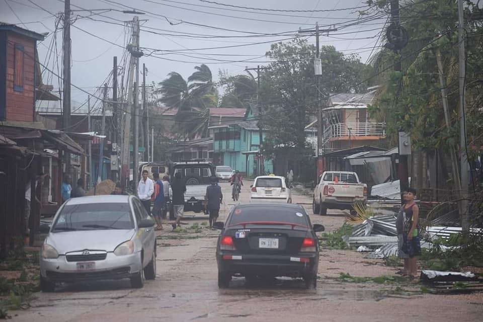 80% del tránsito restablecido en zonas afectadas por Eta