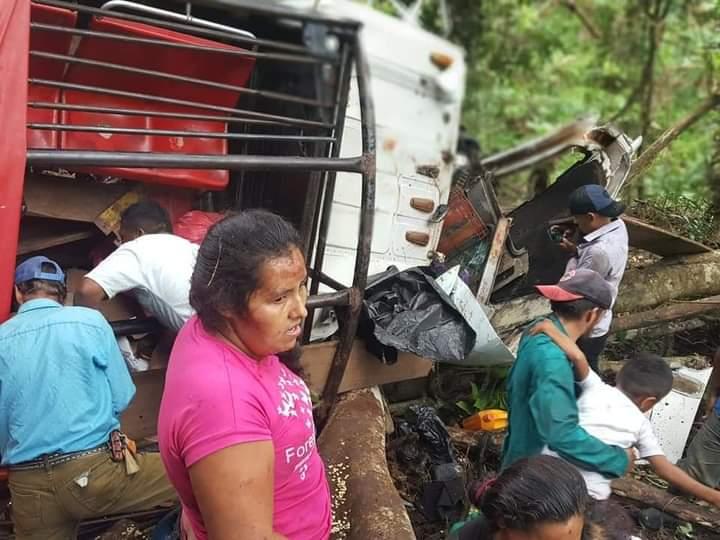 Tragedia en Waslala: 17 personas mueren en vuelco de camión