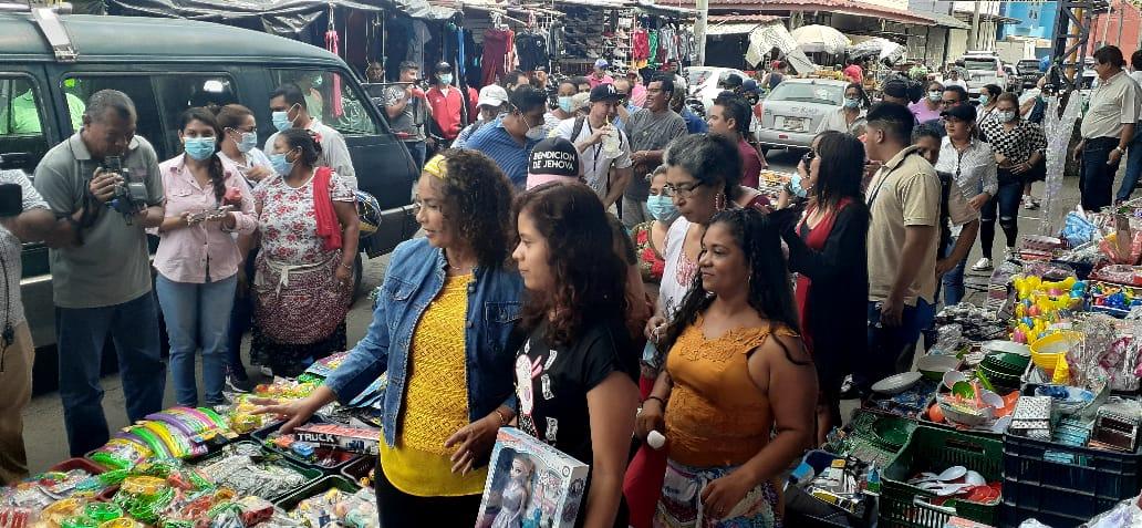 Más de 100 mil personas han realizado sus compras en el mercado Oriental