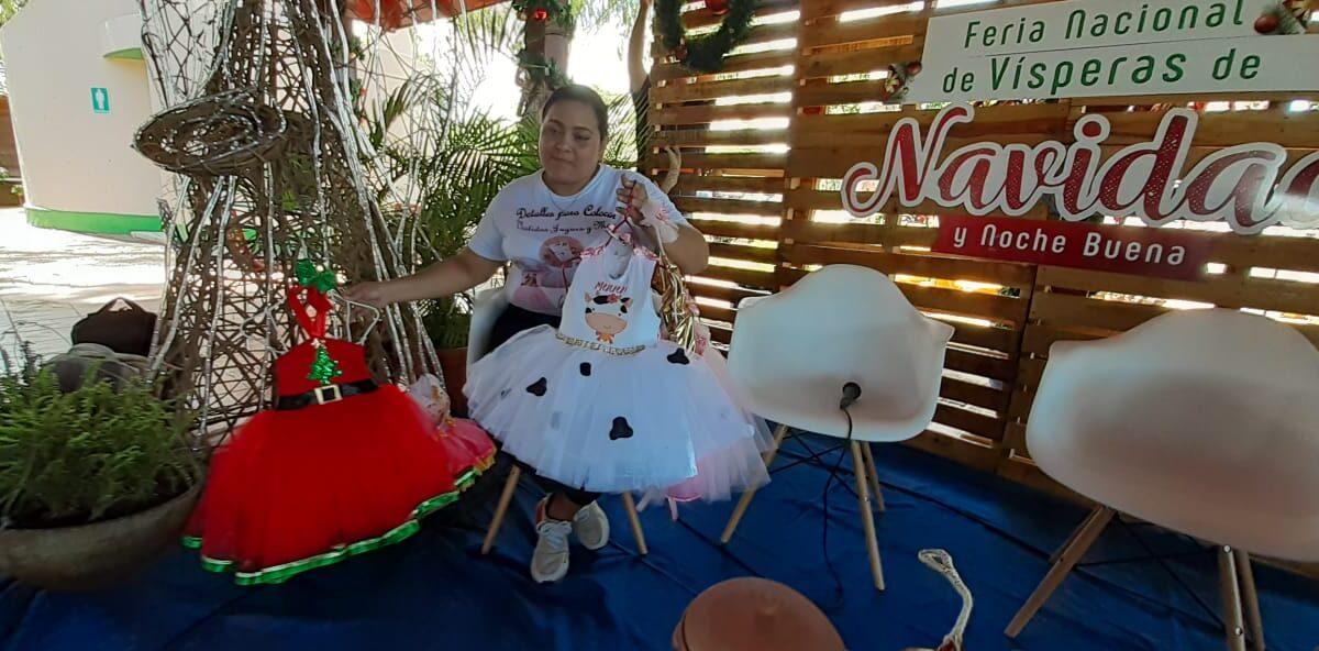 Gastronomía tradicional, artesanías y prendas de vestir, disponibles en la feria navideña