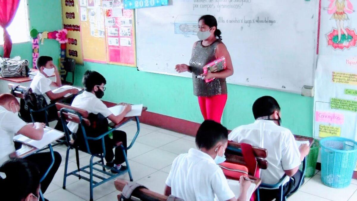 Maestra boaqueña de primaria se destaca como la mejor a nivel nacional