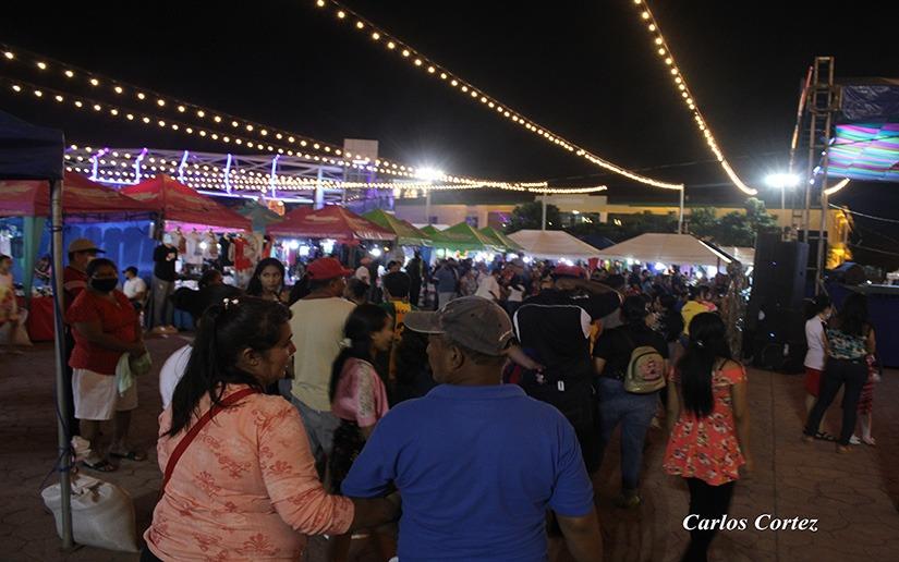 Casi un millón de córdobas en ventas durante Feria del Comercio Navideño