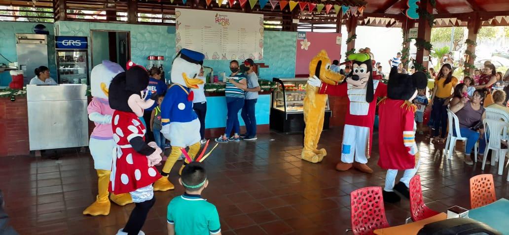 Organizan eventos recreativos infantiles en espacios temáticos