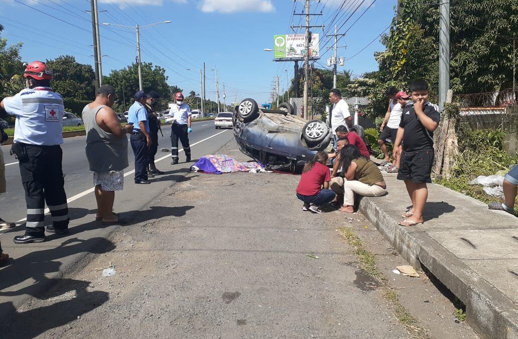 Accidente automovilístico deja un fallecido este 25 de diciembre