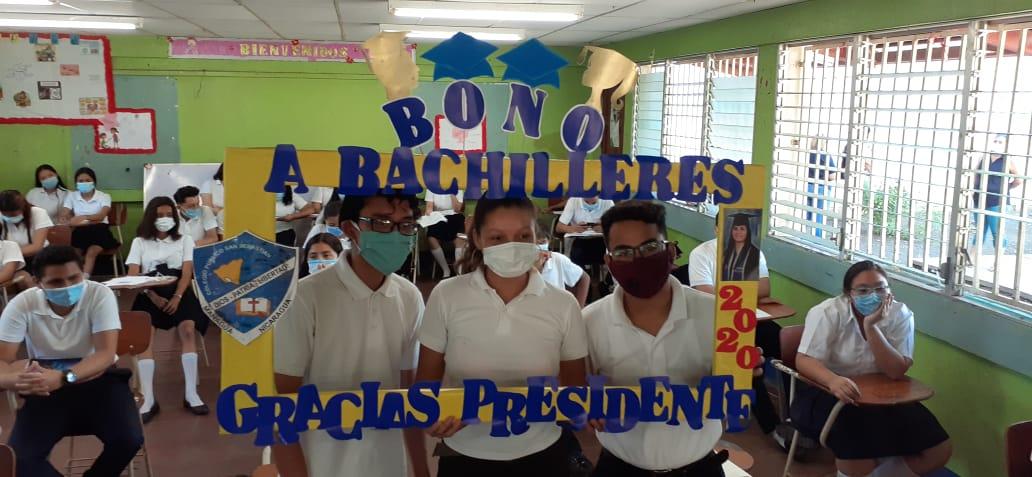 Bono para bachilleres llega al colegio público San Sebastián