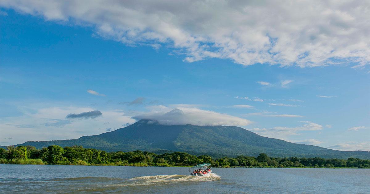 Visitá la tierra de lagos y volcanes este fin de semana largo