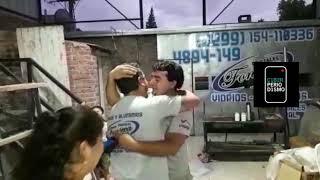 Trabajador es sorprendido por su jefe al regalarle un automóvil