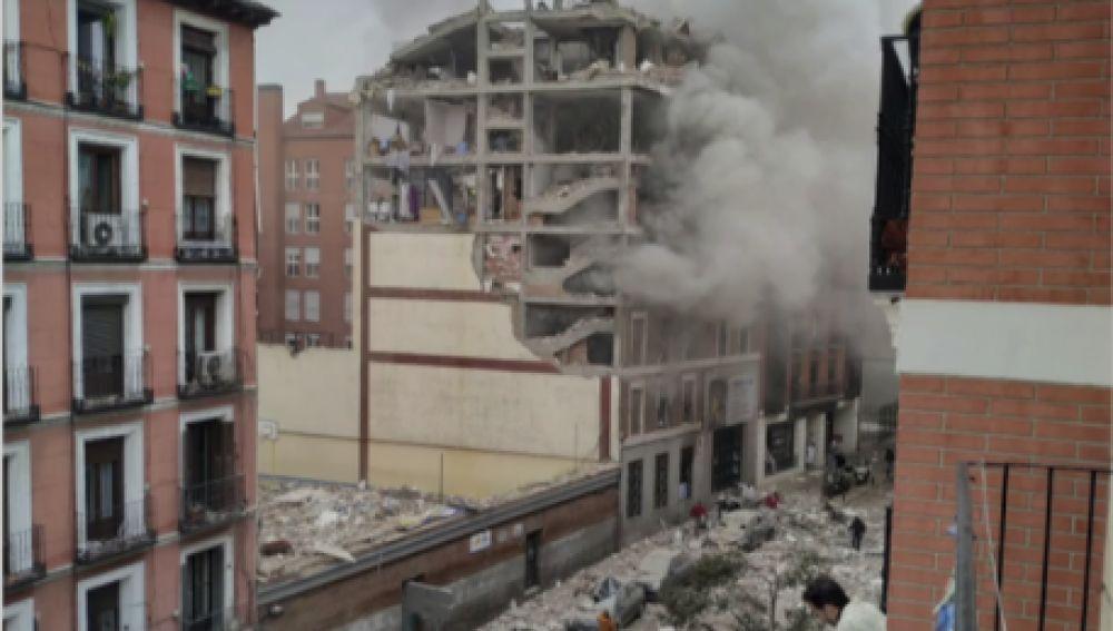 Fuerte explosión en un edificio del centro de Madrid