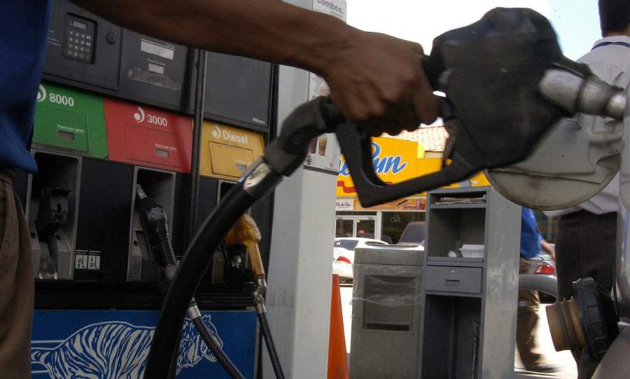 Gasolinas y tanques de gas se cotizan más caros para esta semana