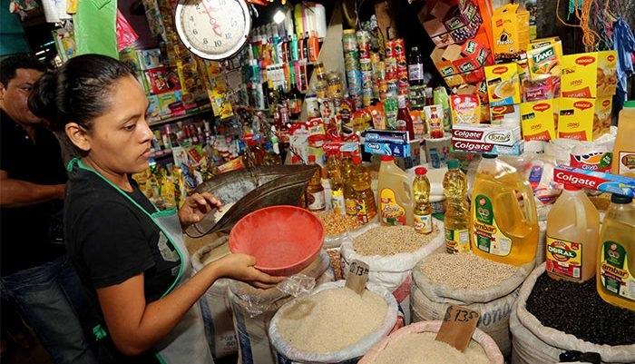 Productos alimenticios mantienen o bajan de precio