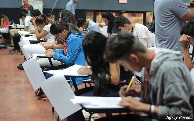 Más de 16 mil becas universitarias disponibles para los jóvenes