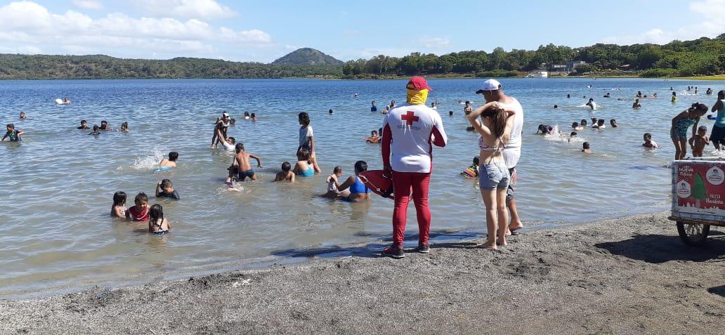 Xiloá recibe a centenares de familias en año nuevo