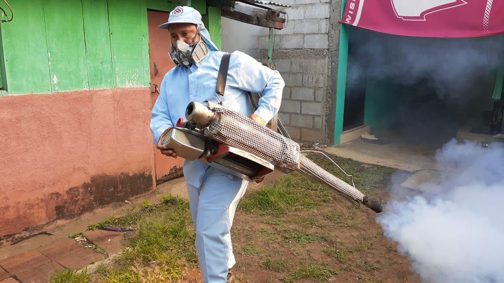 Realizan jornada integral de lucha antiepidémica en el barrio San Luis