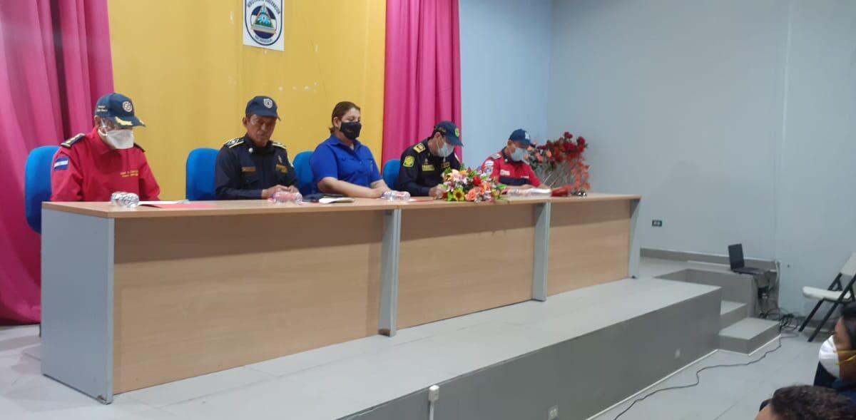 Nicaragua cuenta con 31 nuevos bomberos unificados