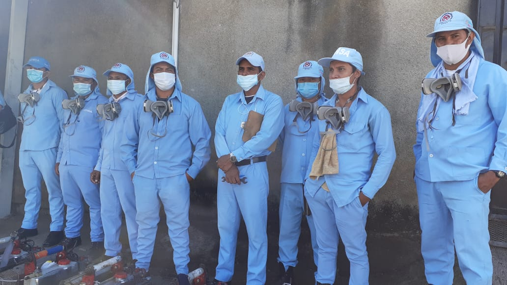 Fumigan y aplican larvicida BTI en viviendas de Laureles Norte