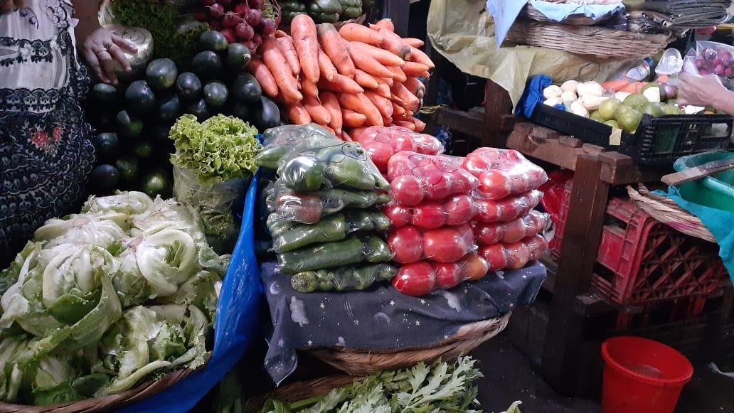 Productos de la canasta básica a precios estables en el mercado Roberto Huembes