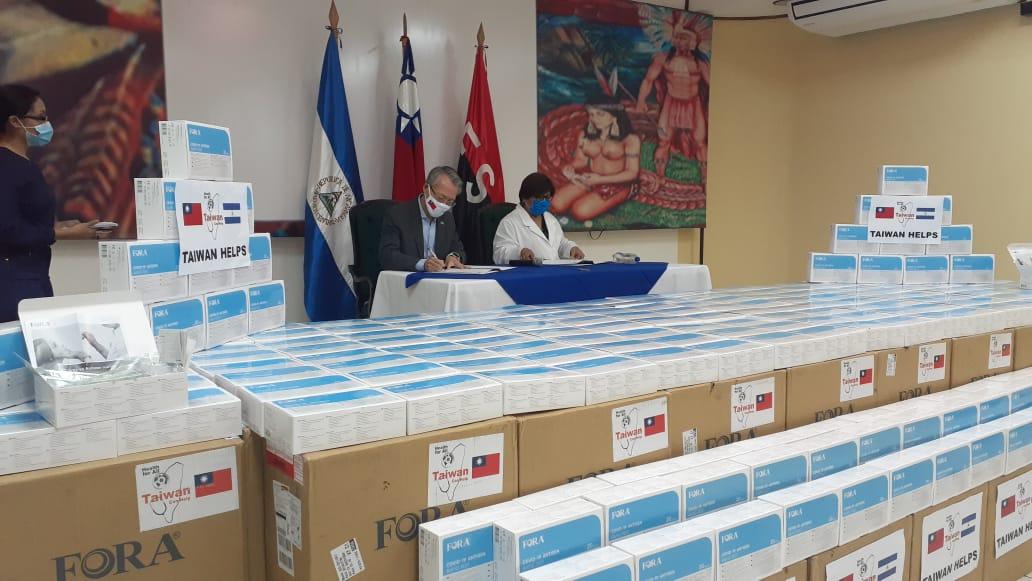 Taiwán dona a los nicaragüenses 36 mil pruebas rápidas de COVID-19