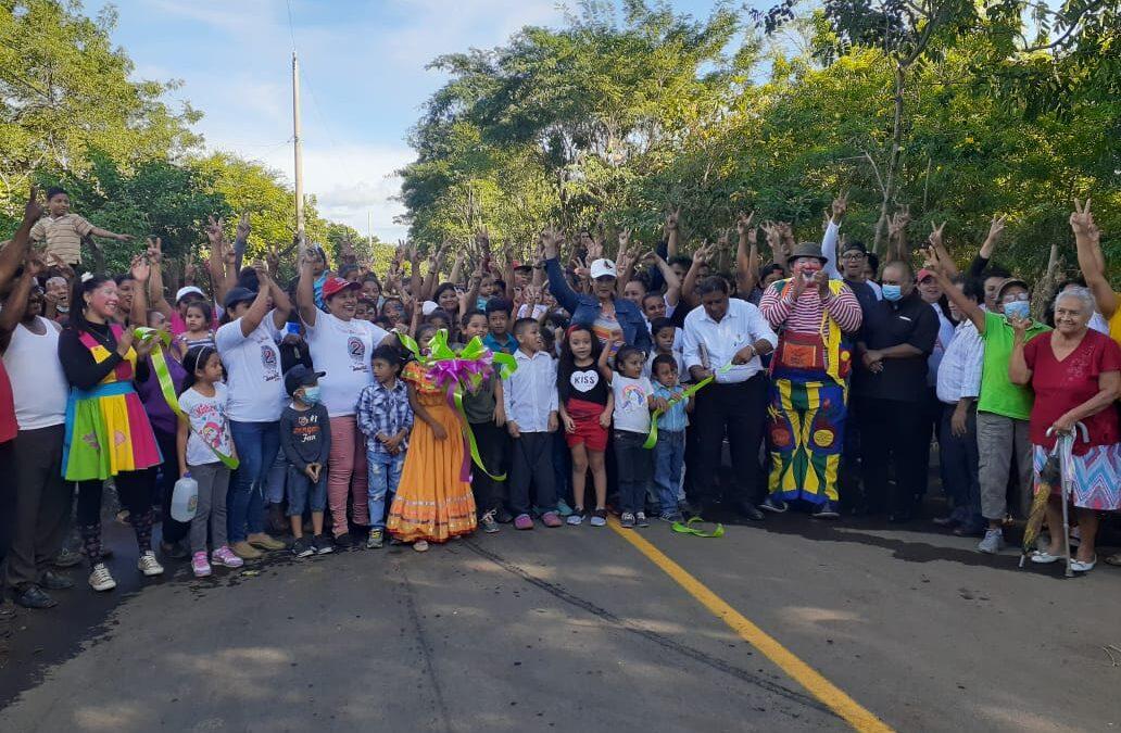 Inauguran mejoramiento de 10 cuadras de calle en Nejapa
