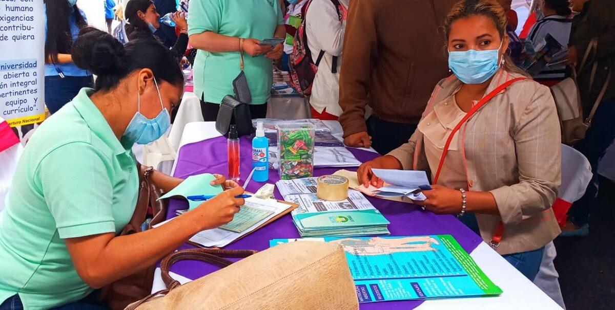 Carazo: Realiza primera Feria Universitaria de Becas