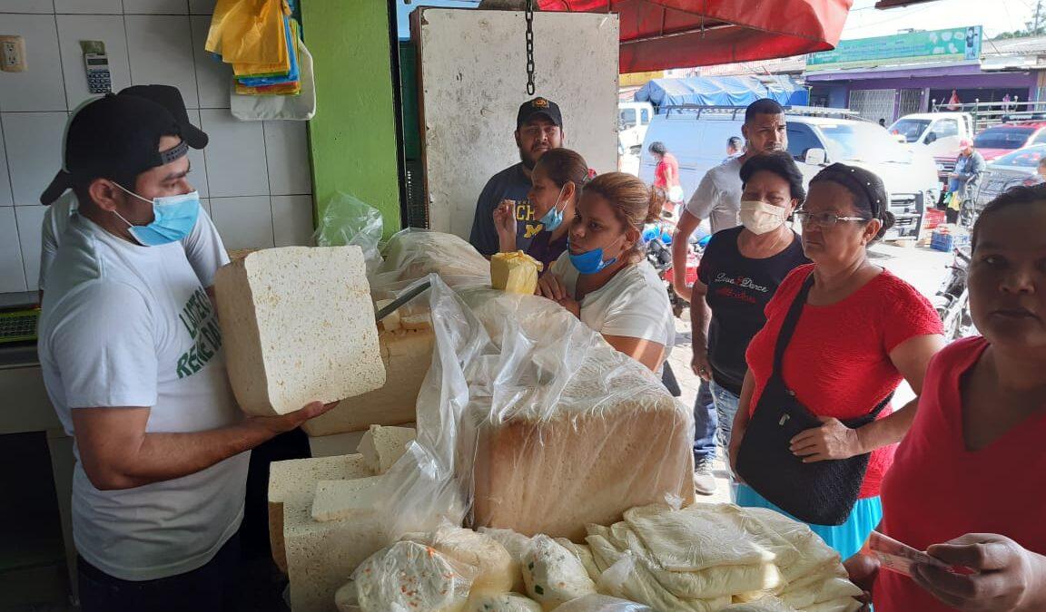 Baja el precio del queso seco en mercado Iván Montenegro