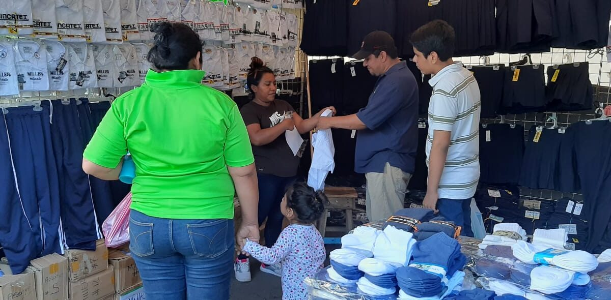 Ventas en feria escolar del Roberto Huembes cumple expectativas de comerciantes