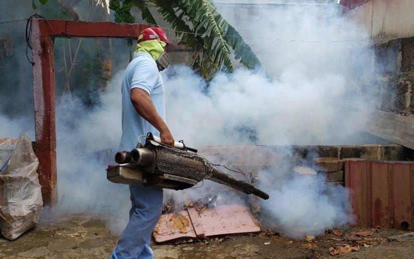 Brigadistas de salud sensibilizan a pobladores de Monseñor Lezcano