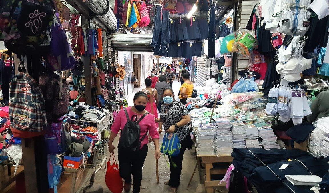 Descuentos del 30% en útiles escolares en mercado Israel Lewites