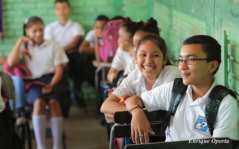 Estudiantes de secundaria cumplen jornada de reforzamiento escolar