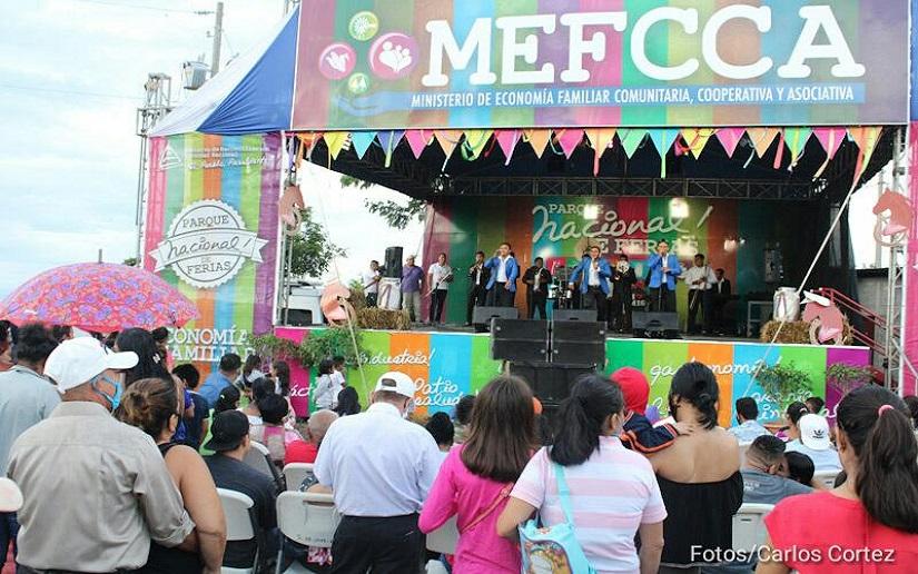 Encuentre promoción de la pequeña economía, el arte y la cultura en el Parque de Ferias