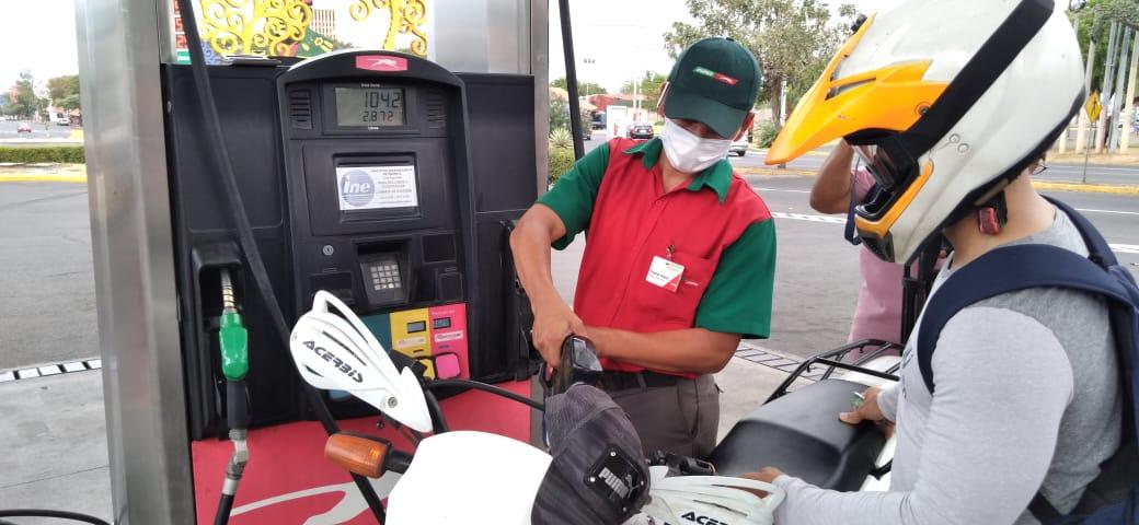 Gas butano mantiene su precio, mientras el combustible experimenta un leve incremento