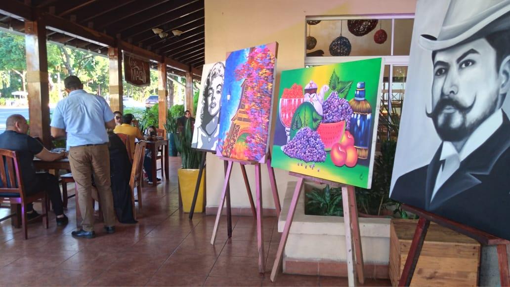 Realizan exposición de pinturas a Darío en la Casa del Maíz