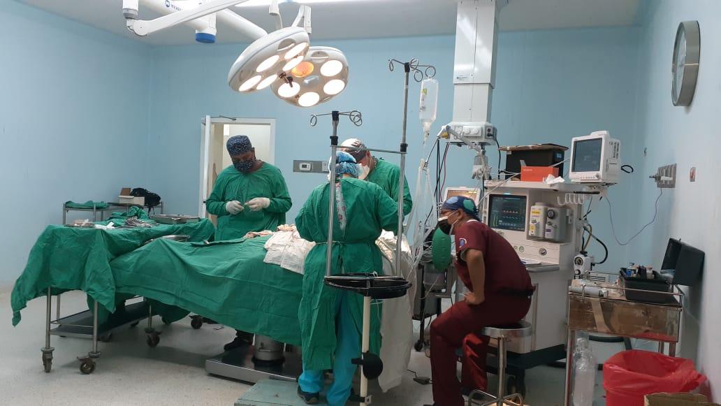 Pacientes son operados de la vesícula y por hernias con equipos de alta tecnología