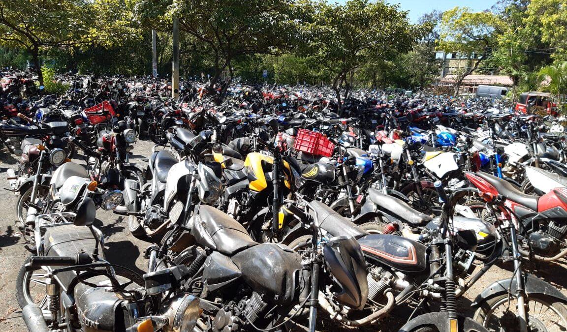 Amplían plazo para retirar vehículos en depósito de Managua