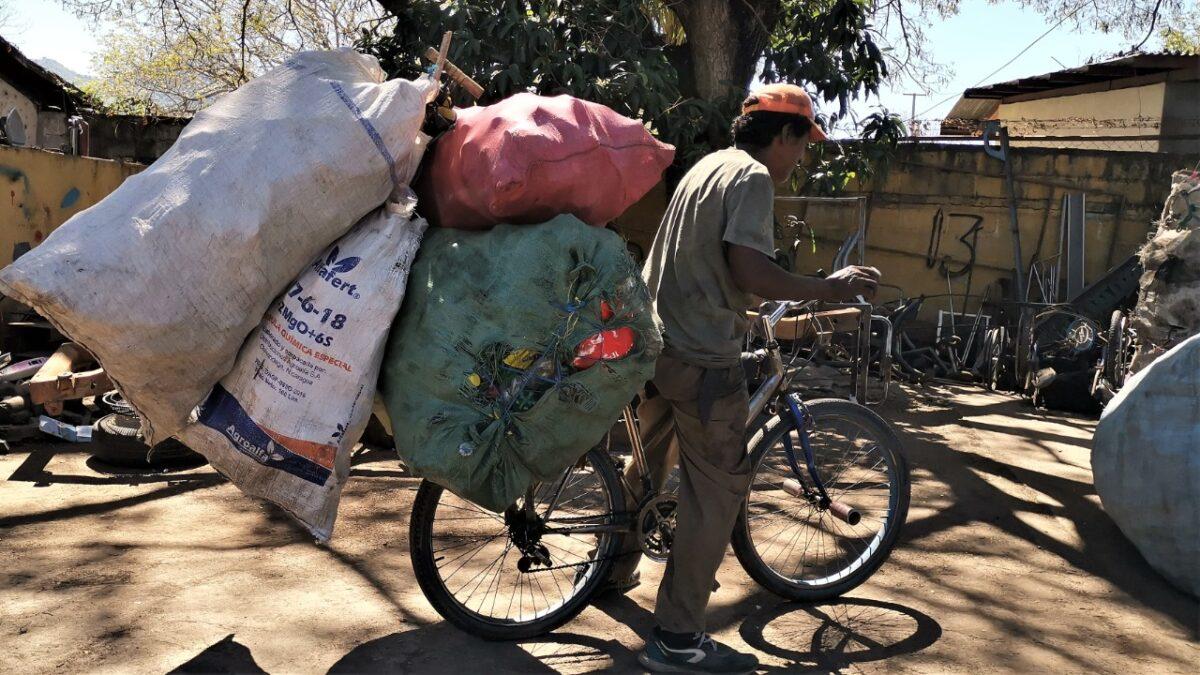 Gobierno reconoce labor de los acopios de desechos o chatarras