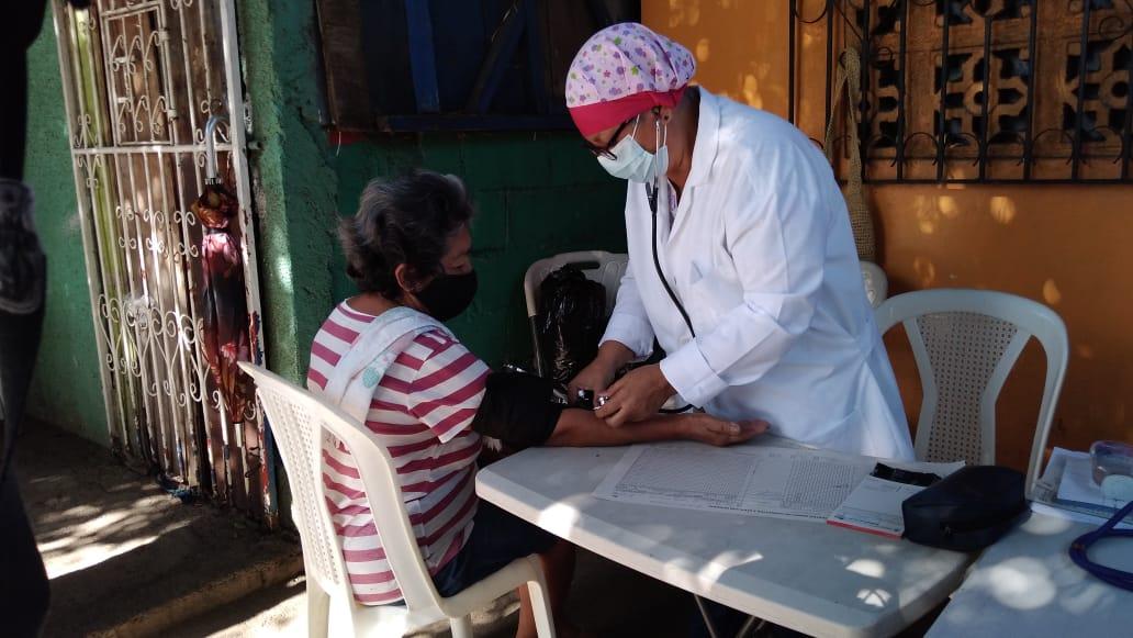 Acercan feria de salud y de la pequeña economía en el barrio Cristo del Rosario