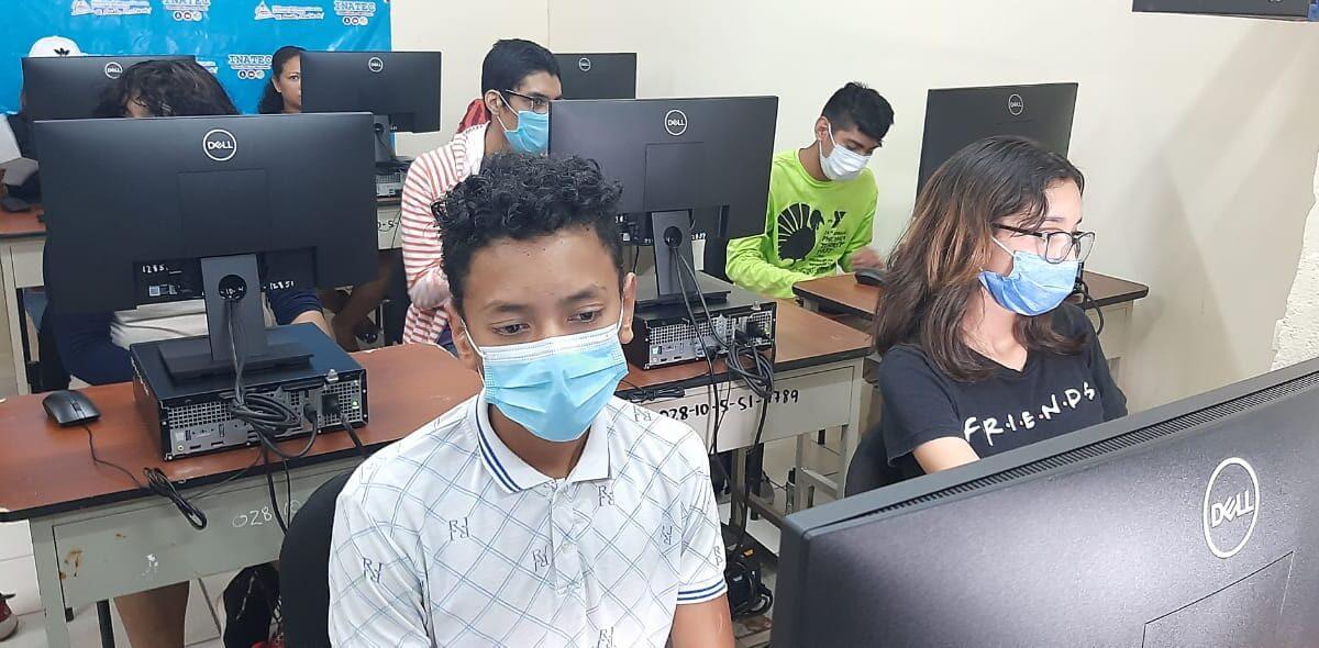 Inauguran laboratorio de computación en Centro Tecnológico de Acahualinca