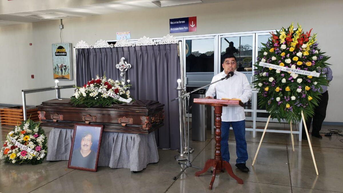 Cronista Pepe Ruiz, recibe homenaje póstumo en «La Casa del Juego Perfecto»